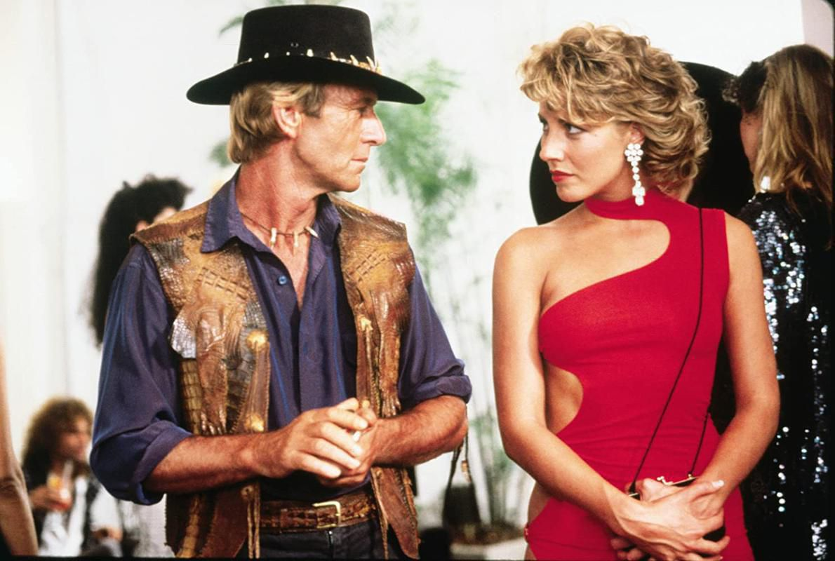 Linda Kozlowski Paul Hogan in Crocodile Dundee 1986