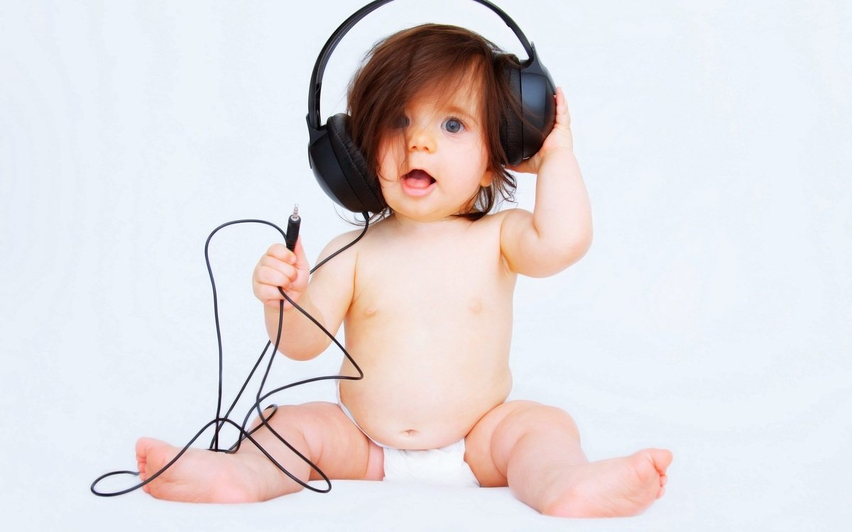 Beautiful baby listen music