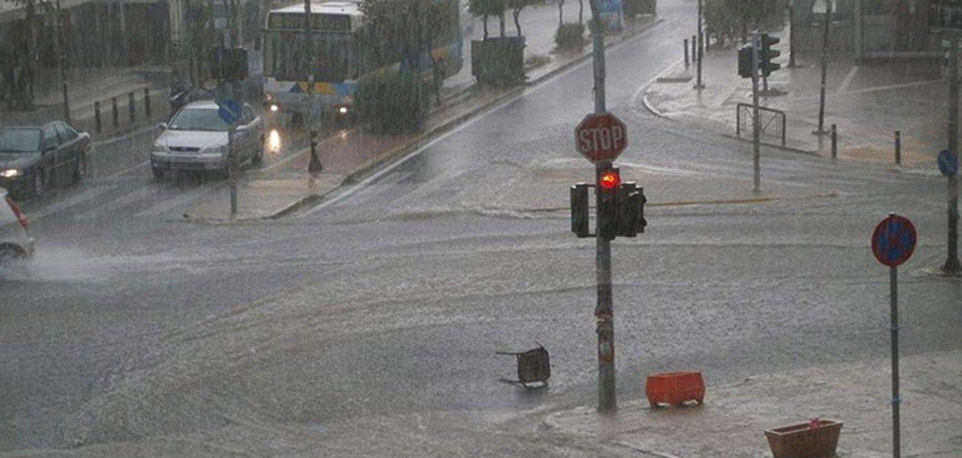 Καταιγίδα και χαλάζι στην Αθήνα, πλημμύρες και διακοπή κυκλοφορίας