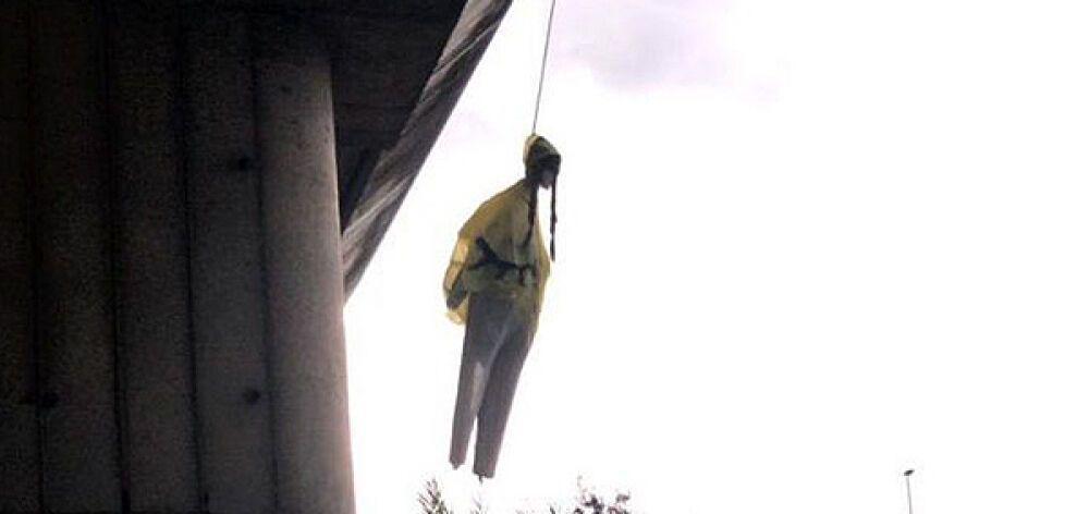 Κρέμασαν ομοίωμα της Γκρέτα Τούνμπεργκ από γέφυρα στη Ρώμη