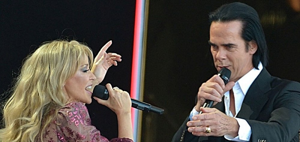 Nick Cave & Kylie Minogue - To live ντουέτο στο Glastonbury