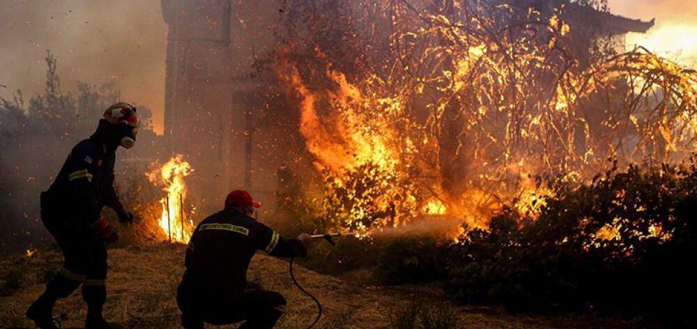 Σώθηκαν τα τέσσερα χωριά στην Εύβοια - συνεχίζεται η μάχη με τις φλόγες