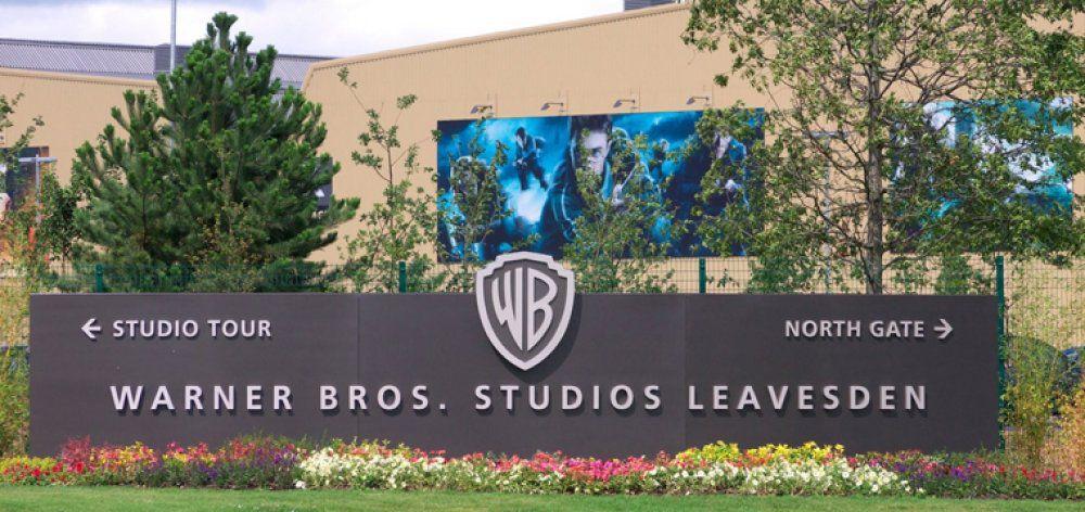 Στις φλόγες το στούντιο της Warner Bros στο Λονδίνο