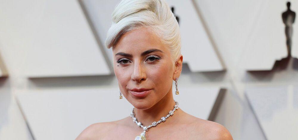 Η Lady Gaga ξαναφτιάχνει σχολεία που καταστράφηκαν από τις επιθέσεις στις ΗΠΑ
