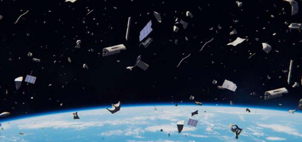 Σκουπίδια έχει γεμίσει και το διάστημα εκτός από τις θάλασσες